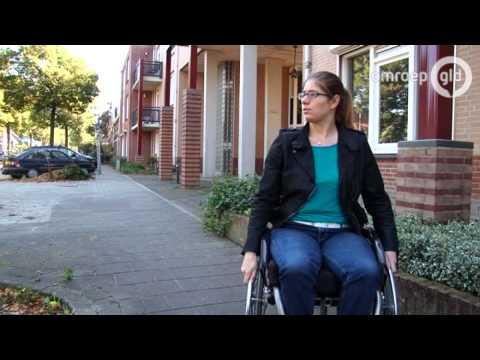Wie heeft de rolstoelbus van April gestolen