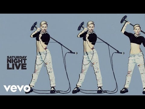 Miley Cyrus – Wrecking Ball (Live On SNL)