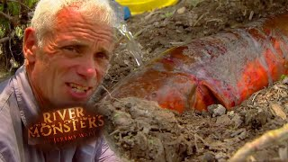 Catching A Giant Electric Eel - River Monsters