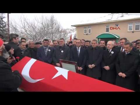 Video Kamer Genç'i, Kılıçdaroğlu ve 5 bin Tuncelili son yolculuğuna uğurladı download in MP3, 3GP, MP4, WEBM, AVI, FLV January 2017