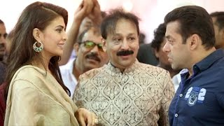 Video INSIDE Video : Baba Siddique IFTAR Party 2015 | Salman Khan, Jacqueline Fernandez, Isha Gupta MP3, 3GP, MP4, WEBM, AVI, FLV Oktober 2018