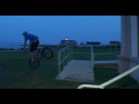 rail - He wanted to hop 2 rails into the grass. He ended up with a face full of mud. Subscribe: http://bit.ly/TCUBMXsubscribe Daniel Patterson sent through this crash featuring him trying a double...
