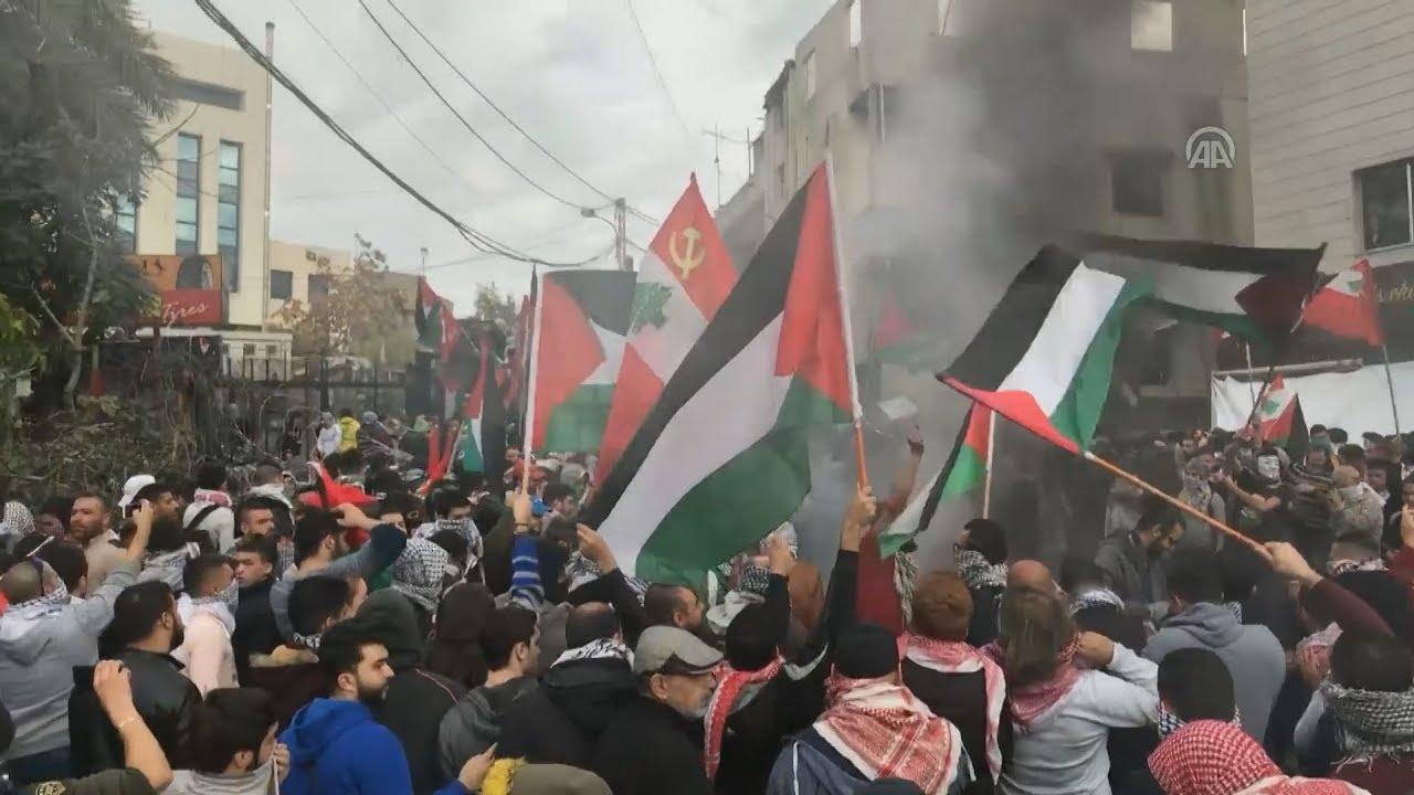 Δακρυγόνα και αντλίες νερού εναντίον των διαδηλωτών κοντά στην αμερικανική πρεσβεία στη Βηρυτό