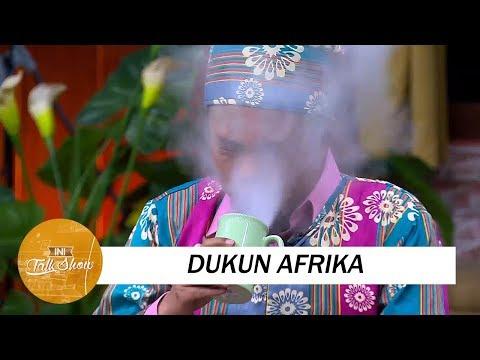 Download Video Kelakuan Dukun Afrika Ngusir Roh Jahat Yang Kocak