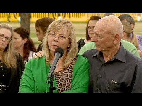 ΗΠΑ: Απαρηγόρητοι οι συγγενείς των θυμάτων του μακελειού στο Κολοράντο από την ετυμηγορία των…