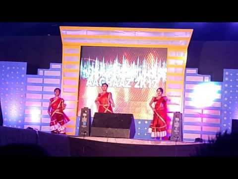Video Gandhi engineering college tech_fest. 2k17/cycle se aaya gori/dance by girls download in MP3, 3GP, MP4, WEBM, AVI, FLV January 2017