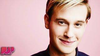 Video Hollywood Medium Tyler Henry Shares His Process Of Communicating With The Deceased MP3, 3GP, MP4, WEBM, AVI, FLV Maret 2018