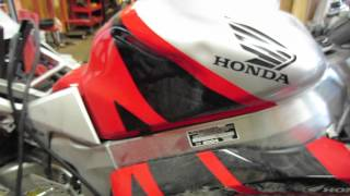 9. Starting Wrecked 2004 Honda RC51 #619
