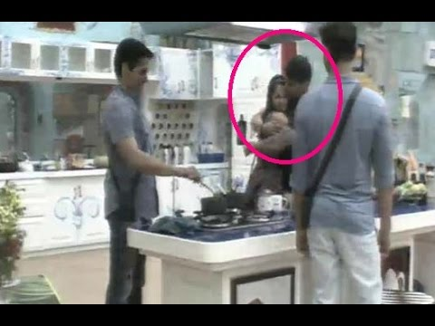 Bigg Boss 9 - Prince Narula Caught KISSING Rochell
