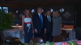 Melania Trump, en su papel de primera dama de Estados Unidos, ha rivalizado con Brigitte Macron en un duelo de estilos entre las mujeres del presidente de los Estados Unidos y el vigesimoquinto presidente de la República Francesa, respectivamente.