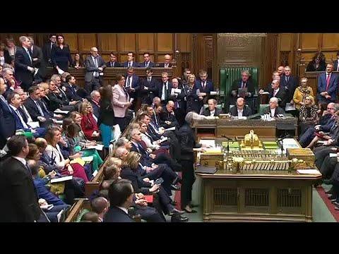 Σκληρή κριτική στην Μέι στο Κοινοβούλιο