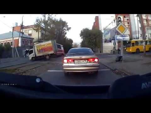 ДТП. Влетел на скорости в трамвай (осторожно, ненормативная лексика)