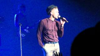 Olly Murs Sexy Moves