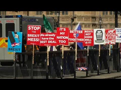 Ψηφοφορίες στο κοινοβούλιο για τις εναλλακτικές του Brexit…
