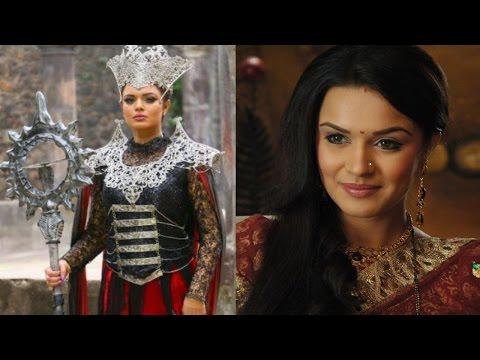 Aashka Goradia Turns Makeup Artist