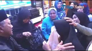Video Tangisan Mardiana Pecah, Berharap Muas Penumpang Lion Air JT610 asal Medan Bisa Selamat MP3, 3GP, MP4, WEBM, AVI, FLV Desember 2018