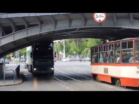 Cztery auta policjantów kontra ziomek co chciał przewieźć wiadukt! To jest dopiero pech – Gdańsk!