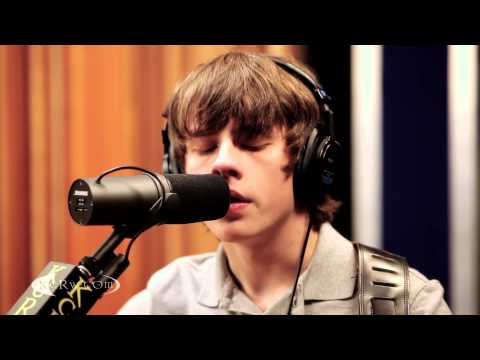 broken - Young UK wunderkind Jake Bugg has wowed us with his smart songcraft and guitar prowess. He has a bright future and we're thrilled to hear him perform live on...