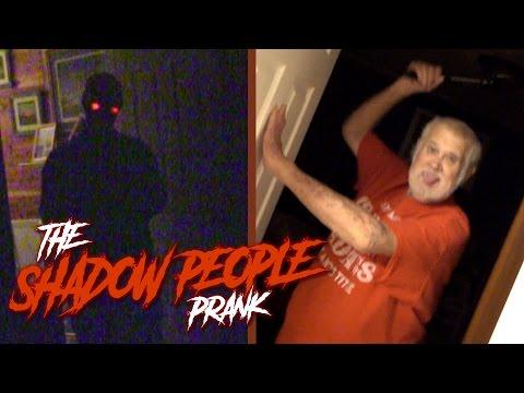 scherzo di notte al nonno arrabbiato! incredibile il finale!