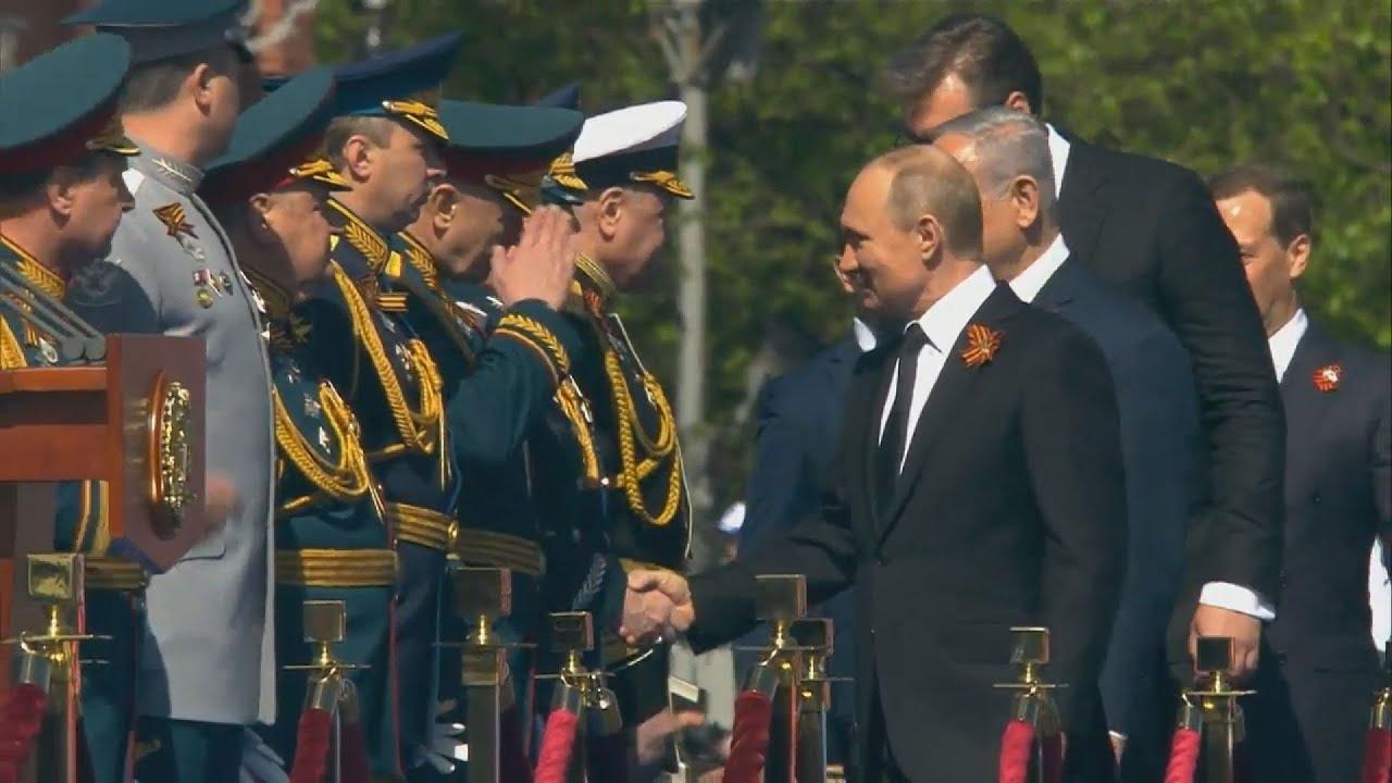 Μόσχα: Η εντυπωσιακή στρατιωτική παρέλαση στην Κόκκινη Πλατεία