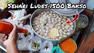Video CUMA 15RB & SEHARI LUDES 1500 BAKSO !! LEGEDARIS SUDAH 32 TAHUN BERJUALAN !! INDONESIAN MEAT BALL MP3, 3GP, MP4, WEBM, AVI, FLV Maret 2019