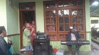 Video TITIP RINDU BUAT AYAH (EBIET G. ADE)  COVER BY BETRAND PETO MP3, 3GP, MP4, WEBM, AVI, FLV Agustus 2019