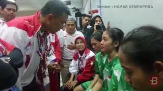 BOLASPORT.COM - Pada pertandingan final sepak takraw putri yang mempertemukan Malaysia dengan Indonesia, tim sepak...