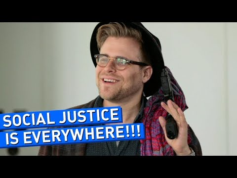 social - This Video Explains Why In 2014 It's Socially Unacceptable To Do Anything Anywhere See more http://www.collegehumor.com LIKE us on: http://www.facebook.com/c...