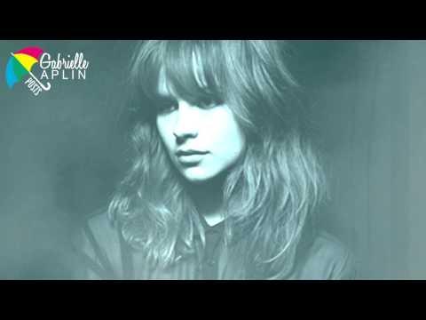 Tekst piosenki Gabrielle Aplin - Anybody Out There po polsku