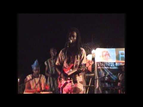 Beautiful Nubia - Awilele (Live)