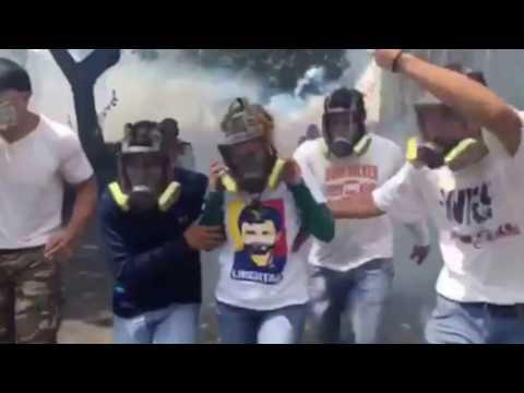 احتجاجات بفنزويلا للمطالبة برحيل مادورو وتنظيم انتخابات مبكرة