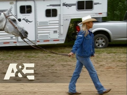 Rodeo Girls: Sadie Falls Off A Horse During A Race (Season 1, Episode 5) | A&E