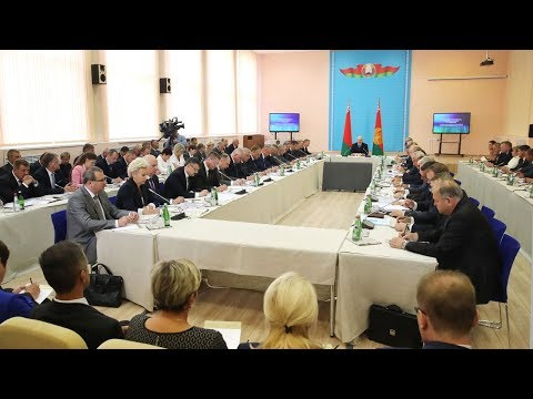 Лукашенко на совещании в Орше указал на системные недоработки по развитию района