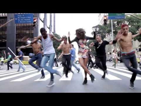 ブラジルのスラム街ファベーラで発祥したダンス「パッシーニョ」はご存知?