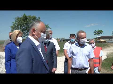 Șeful statului s-a familiarizat cu construcția porțiunii de șosea dintre satele Congaz și Baurci din Autonomia Găgăuză