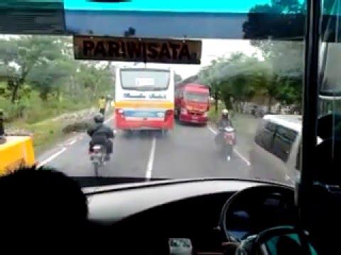 Ngeblong Bus Rosalia Indah 342 di Ngawi (Blitar-Tangerang)