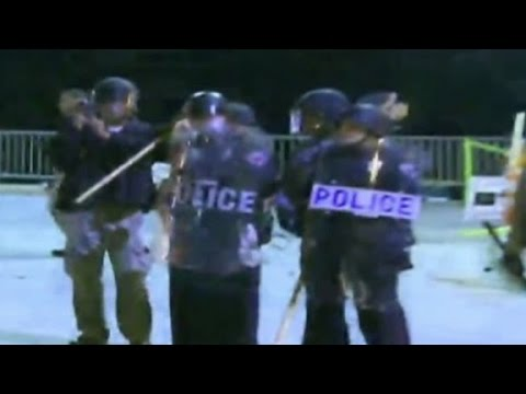 Back - Tensions high in Ferguson after new evidence is leaked in the shooting death of Michael Brown. Sara Sidner reports.