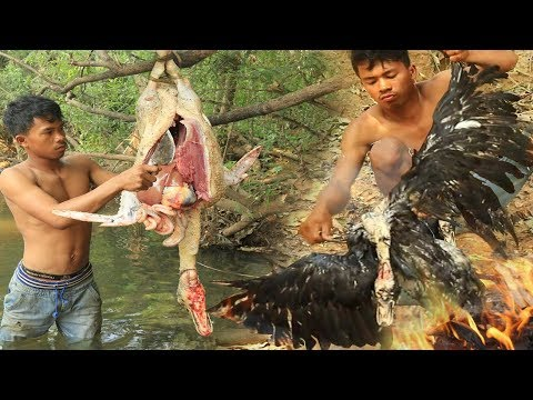 Primitive Technology - Find Food regrettably in the jungle - Cooking duck Eating delicious