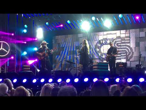 "Video Chris Stapleton ""Broken Halos"" Best Live Performance download in MP3, 3GP, MP4, WEBM, AVI, FLV January 2017"