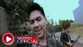 Video Drive - Pencuri Hati (Official Music Video NAGASWARA) #music MP3, 3GP, MP4, WEBM, AVI, FLV Januari 2019