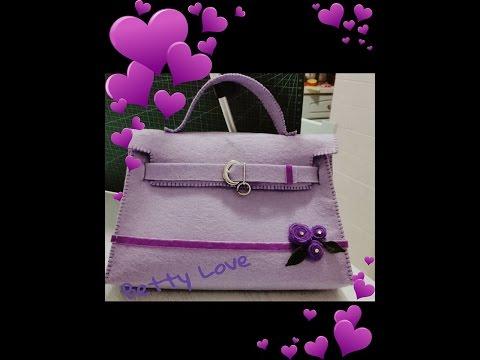 un'elegante borsa realizzata in feltro