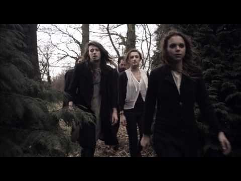 Tekst piosenki Crystal Fighters - At home po polsku