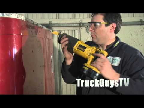 """Building the Retroliner"" a TruckGuysTV eLearning Exclusive:  Episode 4 - ""Rip The Cab/Chop The Cab"""