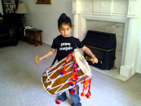 Kharan playing dhol to chabi song