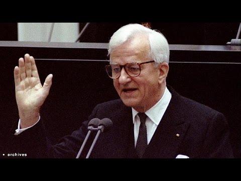 Almanya'nın eski Cumhurbaşkanı Weizsäcker öldü