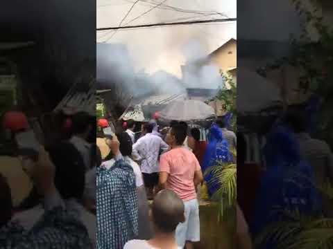 BIẾN CĂNG: Cảnh sát PCCC và CNCH đang dập tắt đám cháy tại Kiệt 84 đường Dương Văn An, Phường Xuân Phú, Tp Huế