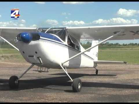 Se presentó avión para paracaidismo en el aeropuerto de Paysandú