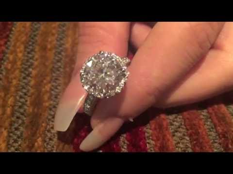 4 carat Round highest Quality Cubic Zirconia Halo Style Engagement ring 14K White Gold