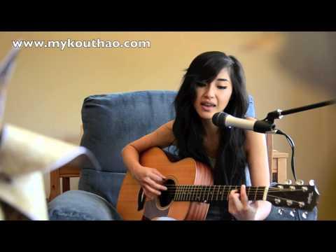 Hmong Love Song: Xaav Moog Xaav Lug - By Mykou Thao