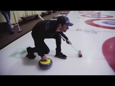 Country artist goes curling!